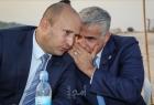 اجتماع ثلاثي واتفاق على بعض الحقائب.. ما هي فرص لابيد في تشكيل الحكومة الإسرائيلية؟