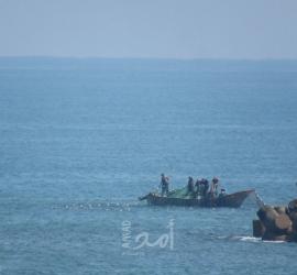 """تضامنا مع شهداء """"اللحام""""..نقابة الصيادين بغزة تعلّق مهنة الصيد حتى الثلاثاء"""