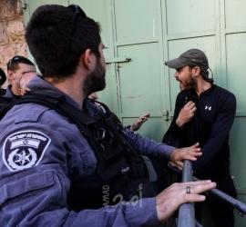 وفد من الاتحاد الأوروبي يطلع على انتهاكات الاحتلال المستمرة بحق مسافر يطا