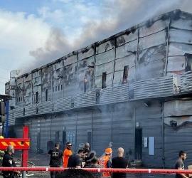 حريق ضخم في مجمع تجاري بقلنسوة داخل إسرائيل- فيديو