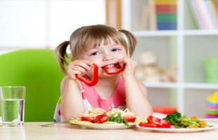 5 طرق للتعامل مع رفض الأطفال الطعام