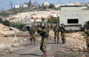 قوات الاحتلال تنصب بوابة حديدية وتقيم برج اتصالات شرق بيت لحم