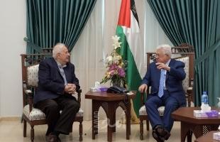 """مصدر لـ""""أمد"""": الرئيس عباس اجتمع مع حنا ناصر وهذا موعد اجراء الإنتخابات"""