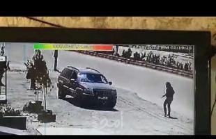 """فيديو استهداف إسرائيل سيارة لـ """"حزب الله"""" في سوريا وهروب من بها"""
