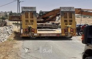 جيش الاحتلال يخطر بوقف العمل في حفريات لمدرسة كيسان ويستولي على جرافة