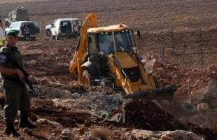 جيش الاحتلال يخطر بوقف البناء في منزلين مأهولين ببلدة الخضر