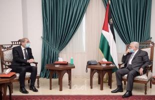 عباس يستقبل الصفدي مبعوثا من العاهل الأردني معزيا بوفاة المناضل عريقات