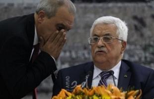 """صحفي إسرائيلي: مشاورات فلسطينية  لتعيين خلفاً لـ""""صائب عريقات"""" وماجد فرج الأقرب"""
