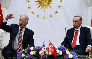 """أسوشيتد برس: محاولات أردوغان لرأب الصدع مع أمريكا تصطدم بــ""""تجاهل"""" بايدن"""