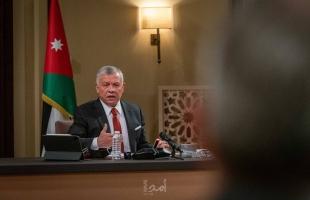 العاهل الأردني يطلب من الحكومة تقريرًا شهريَا عن عملها