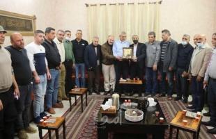 """قلقيلية: زيارة لمنزل الاسير محمد داوود """"ابو غازي"""" بمناسبة يوم الاسير - صور"""