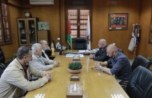 القدوة يشيد بدور بلدية غزة في تقديم الخدمات للمواطنين