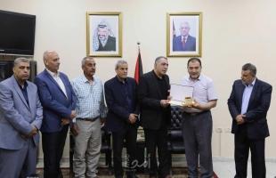 قلقيلية : تكريم أسير محرر ومدير تلفزيون فلسطين