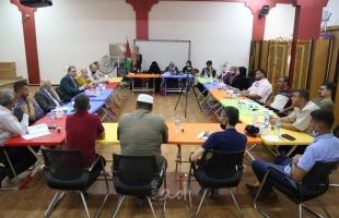 جمعية الثقافة والفكر الحر تعقد ورشة مع رؤساء بلديات خانيونس ولجان تعزيز الصمود - صور