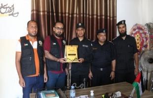 مركز شباب الأمة يكرم قادة وعناصر شرطة البحرية بمناسبة يوم الشرطة الفلسطينية