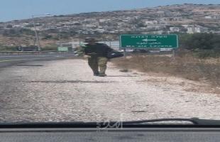 اعتقال فلسطيني يرتدي زي عسكري إسرائيلي وبحوزته سلاح قرب مستوطنة شمال رام الله