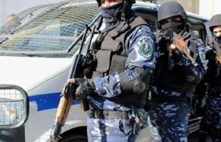 شرطة بيت لحم تداهم وكراً لمروجي المخدرات ومتعاطيها