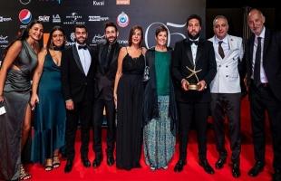 """بالفيديو: فيلم """"ريش""""الفائز بجائزة أفضل فيلم عربي بمهرجان الجونة يشعل جدلا وطنيا في مصر"""