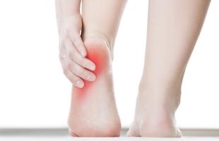تعرف على أسباب ألم القدم