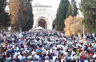 """رغم الحر الشديد..100 ألف مصل يؤدون الجمعة الثالثة من رمضان في """"الأقصى"""""""