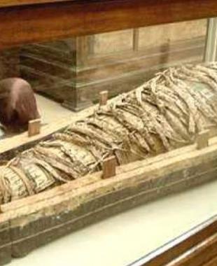 اكتشاف صادم يغير تاريخ تحنيط المومياوات الفرعونية