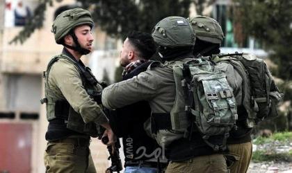 قوات الاحتلال تعتقل 3 شبان من مخيم قلنديا
