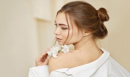 حل سحري لعلاج آثار حب الشباب والبقع الداكنة