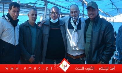شاهد - الاسير المحرر محمد النجار يتنفس الحرية بعد 15 عام داخل سجون الاحتلال