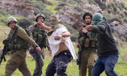 بيت لحم: مستوطنون يعتدون بالضرب على مواطن وأبنائه