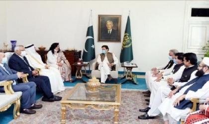 رئيس وزراء باكستان والعسومي يبحثان أهميةالقضية الفلسطينية والأمن الاقتصادي